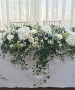 گل روی میز