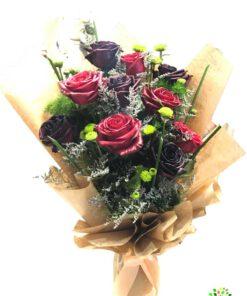 دسته گل طبیعی بسیار زیبا از متخصصین گل آرایی مجموعه پارادایس