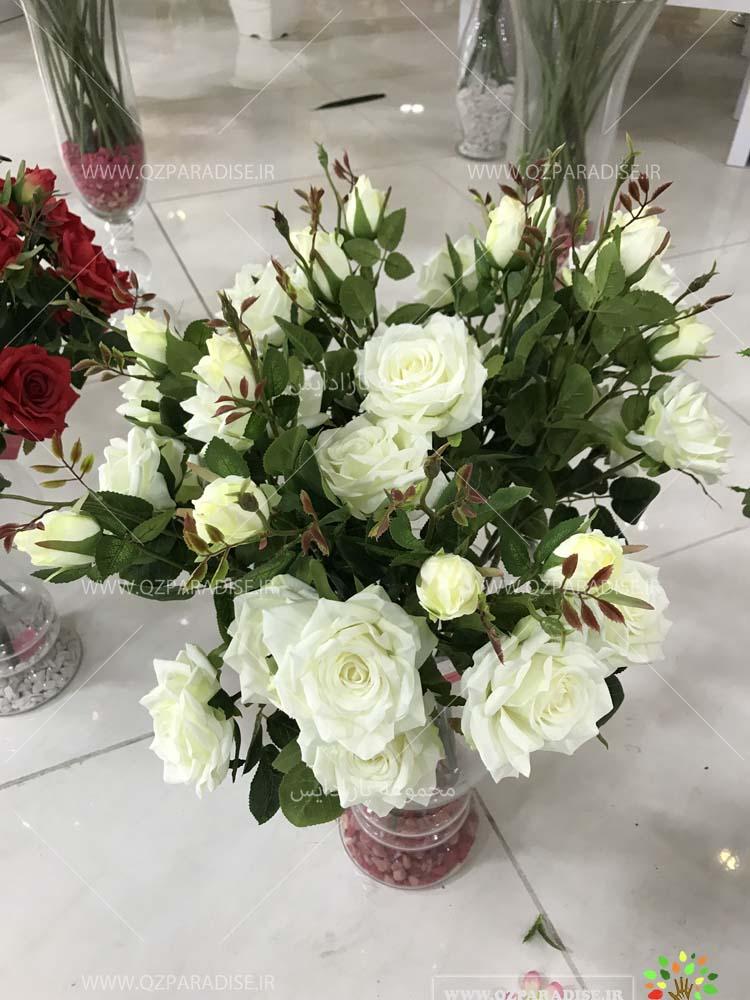 بوته مصنوعی رز سفید برگرفته از طبیعت موجود در فروشگاه پارادایس گل مصنوعی