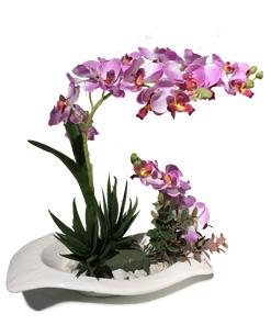 گل مصنوعی با گلدان